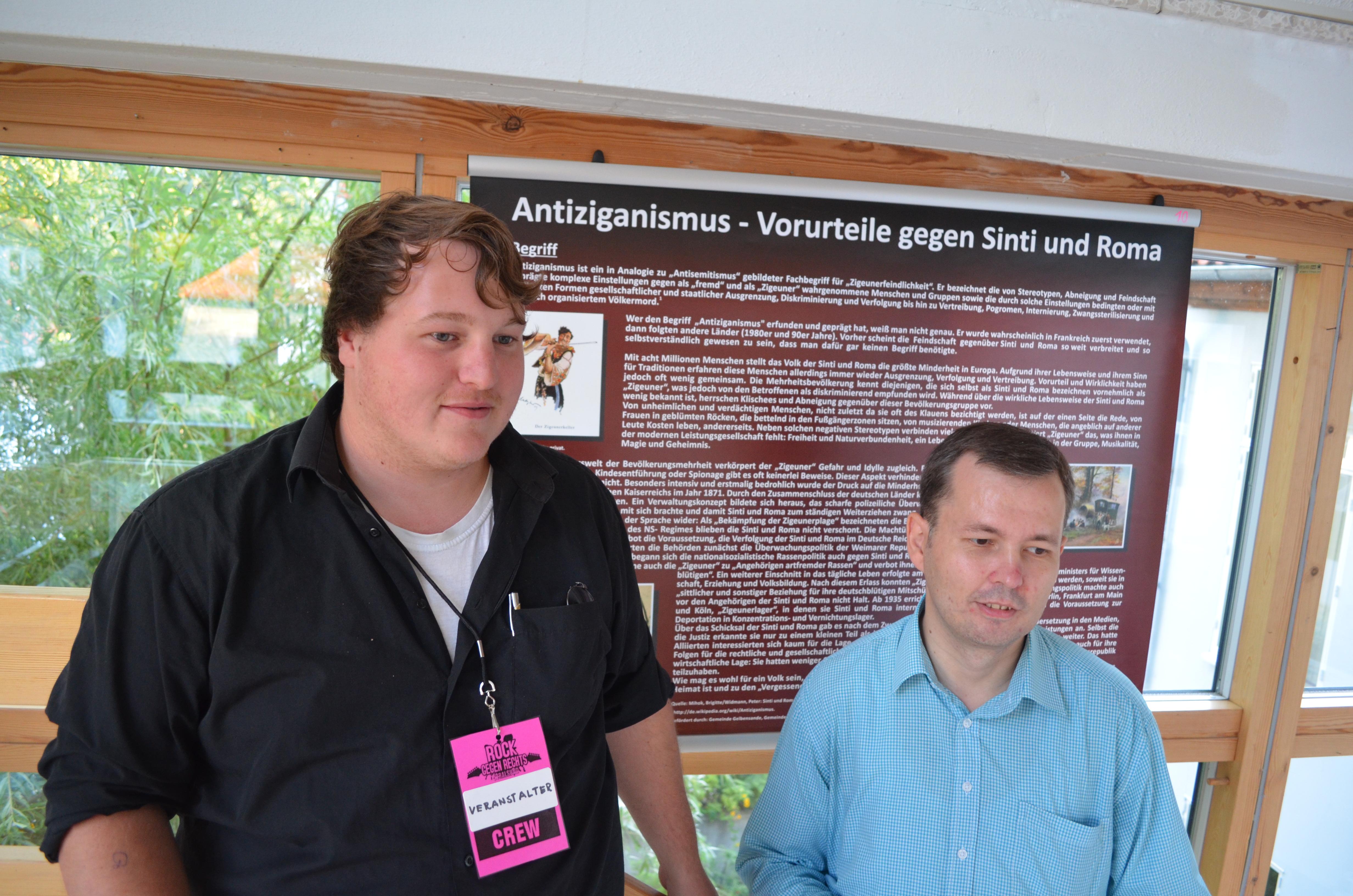 Ausstellung&Vortrag: Förderung der selbstverwalteten Jugendarbeit sehr wichtig