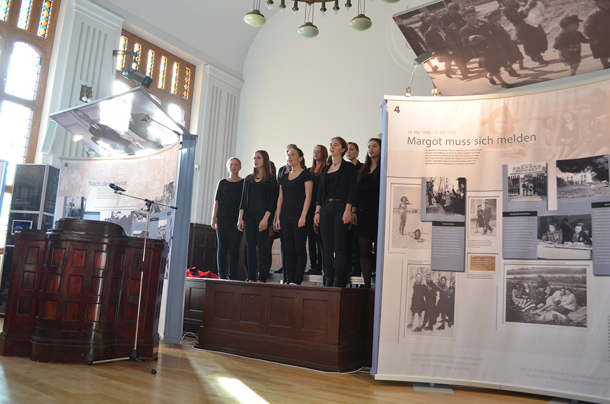 Deine Anne – Ausstellung feiert Premiere in Stralsund