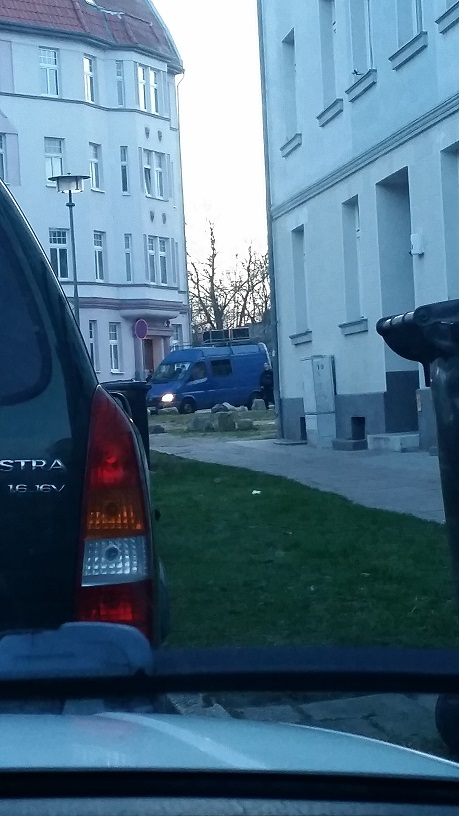 Blauer Lautsprecherwagen aus dem NPD Umfeld. Wir berichteten: http://rockgegenrechts.square7.ch/?p=3502