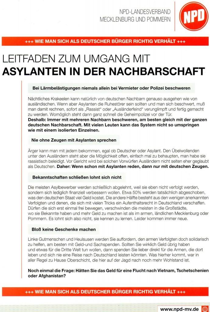 Alter NPD Flyer wird in Stralsund verteilt.