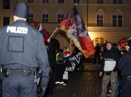 Naumann: passiv wirkend auf der Demo am 4. März. Quelle: Moritz Werthschulte
