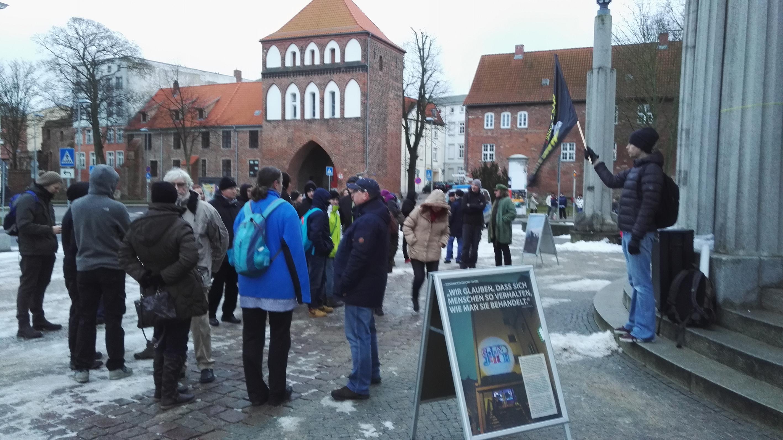 """Mahnwache in Stralsund: """"Afghanistan nicht sicher!"""""""